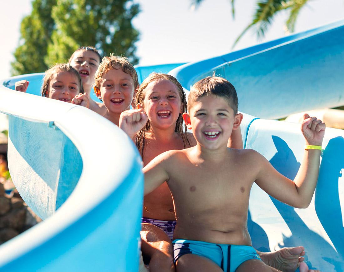 Foto Divertenti Bambini Al Mare villaggi turistici 4 stelle sul mare per vacanze con bambini