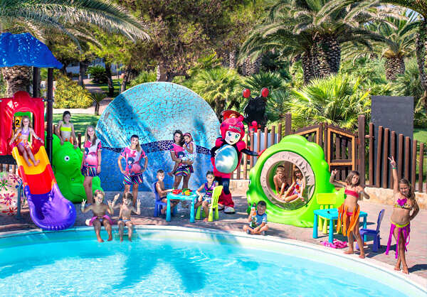 Piscina mini club bluserena
