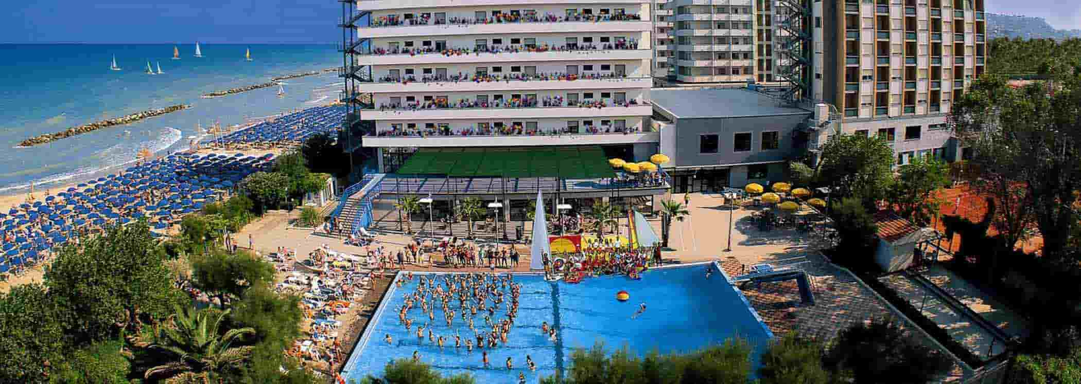 Villaggio turistico in abruzzo serena majestic bluserena - Hotel con piscina abruzzo ...