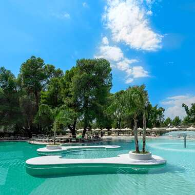 Alborea ecolodge resort puglia piscina