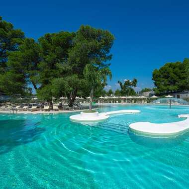 Alborea ecolodge resort puglia piscina 2