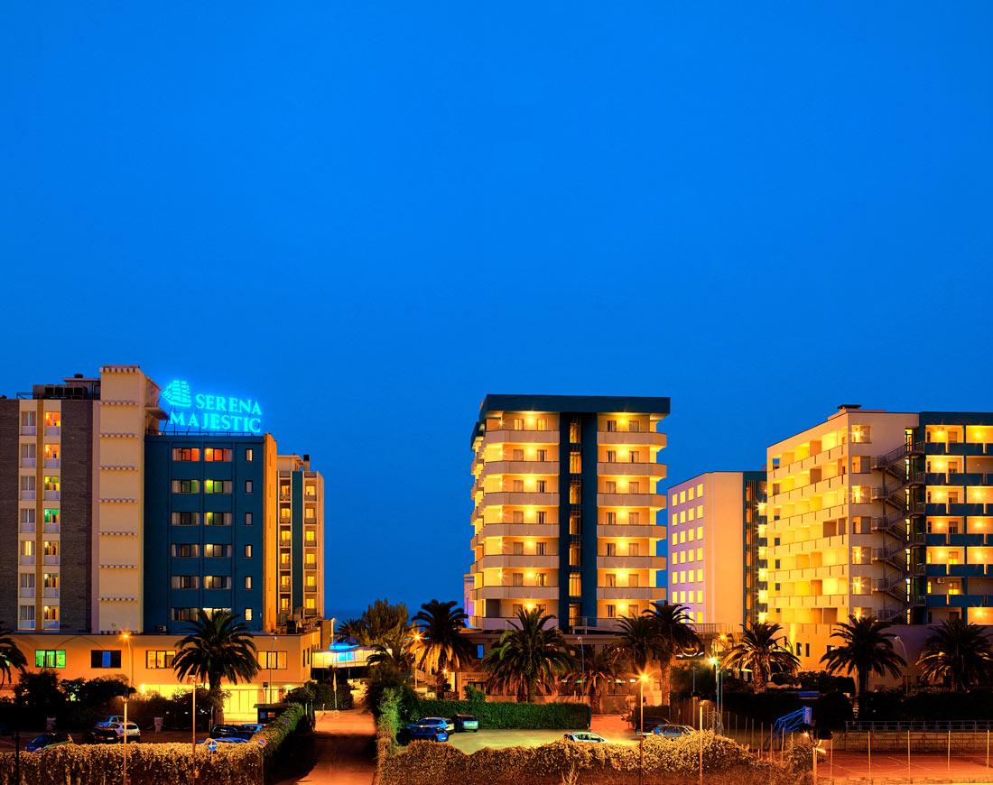 Centro congressi hotel 4 stelle a pescara bluserena for Hotel 4 stelle barcellona centro